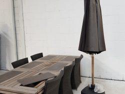 Teakhouten tafel met 6 stoelen