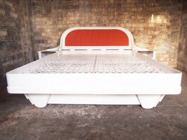 JAMES SECCOMBE PLASTIC MODULAR BED