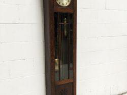 Antieke staande klok uit het jaar 1900