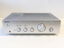 Pioneer A10 HiFi versterker stereo 135W